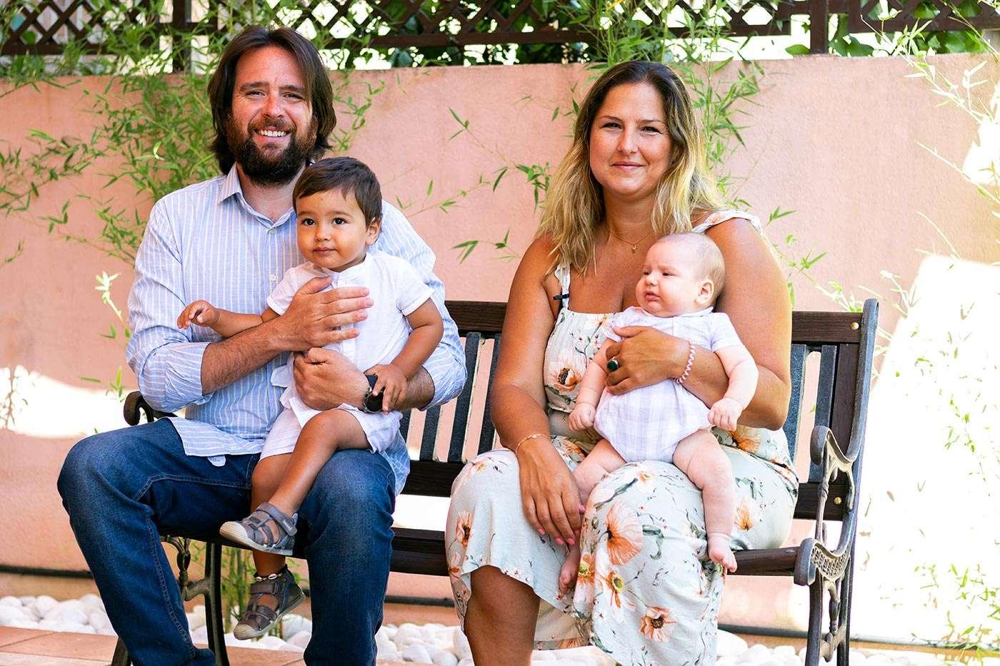 Tania, Mariano y su familia en Tambre